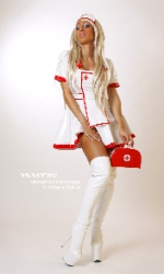 strip-nurse-blondi